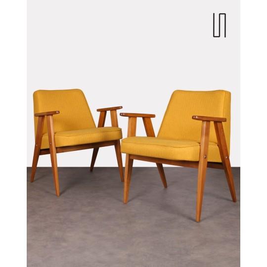 Paire de fauteuils polonais, modèle 366, par Jozef Chierowski