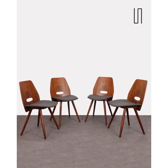 Suite de 4 chaises D'Europe de l'Est Tatra Nabytok
