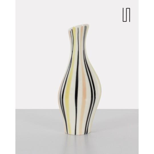 Vase blanc des pays de l'Est par Jarmila Formánková, 1959, Design soviétique