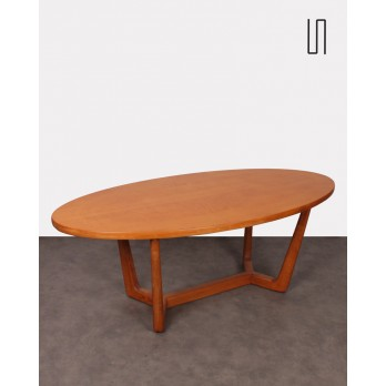 Czechoslovakian oval table Venesa for Dřevotvar, 1970s