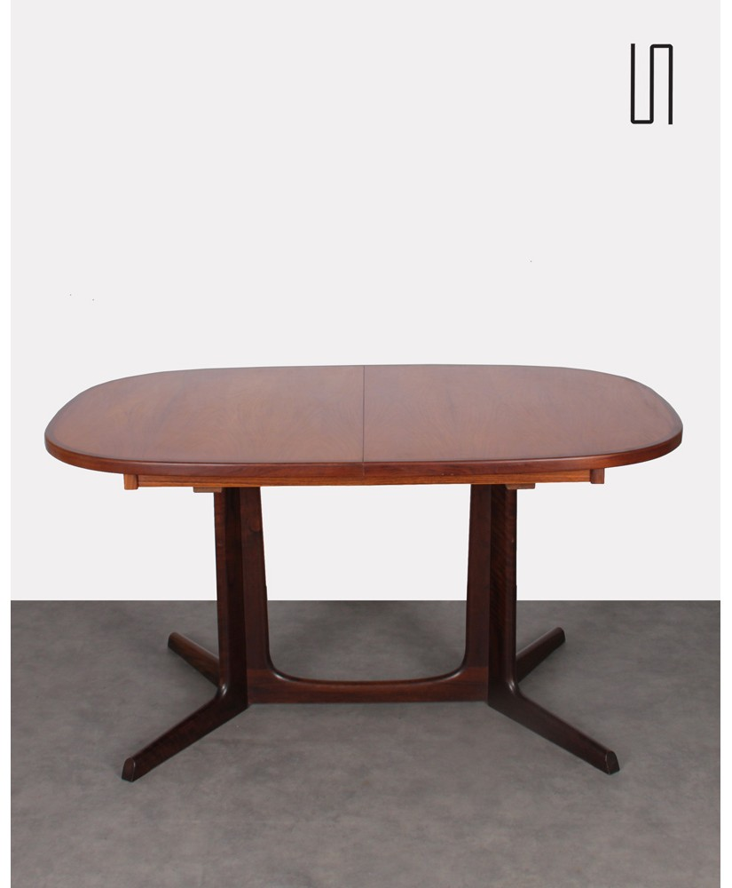 Scandinavian palisander dining table by Niels O. Moller