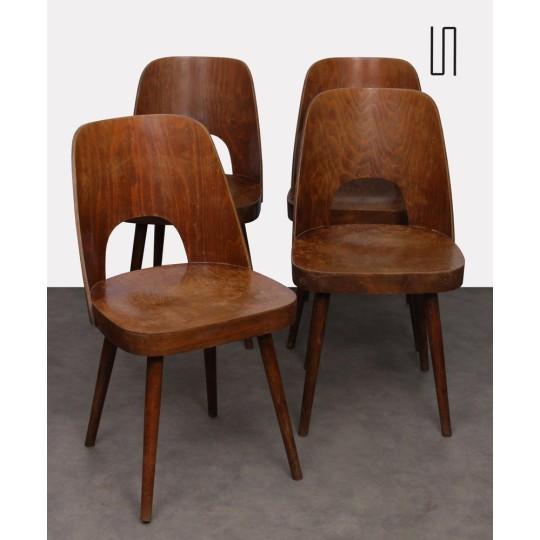 Ensemble de 4 chaises en bois dessinées par Oswald Haerdtl, 1960