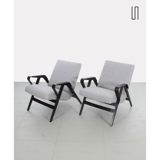 Paire de fauteuils tchèques au design soviétique par František Jirák et produites par Tatra Nabytok