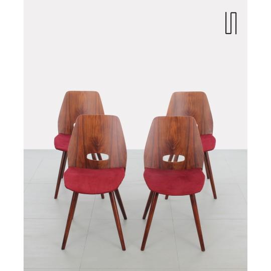 Suite de quatre chaises tchèques au design soviétique par František Jirák et produites par Tatra Nabytok