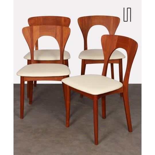 Suite de 4 chaises scandinaves en teck par Niels Koefoed