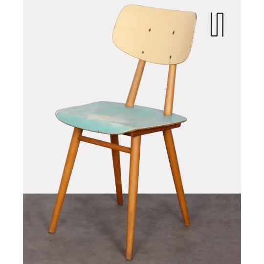 Chaise en bois produite par Ton vers 1960