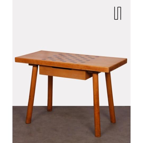 Petite table de jeux tchèque en bois massif, vers 1950