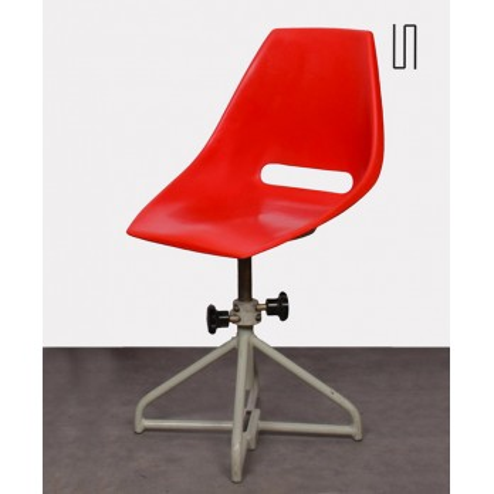 Chaise rouge par Miroslav Navratil pour Vertex, 1960