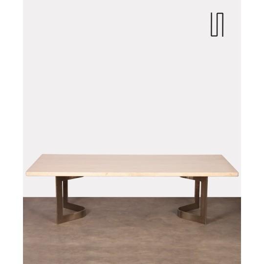 Grande table basse en acier brossé et travertin, 1970