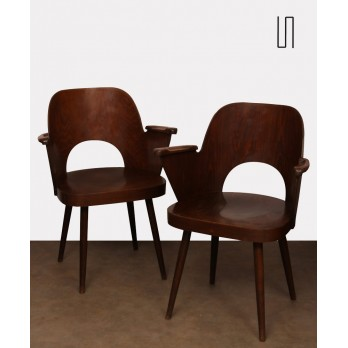 Pair of Vintage Wooden Armchairs by Lubomir Hofmann for Ton, 1960