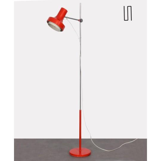 Lampadaire rouge en métal édité par Napako vers 1970