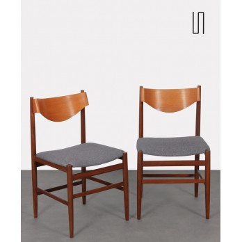 Pair of chairs by Gianfranco Frattini for Cassina, 1960s
