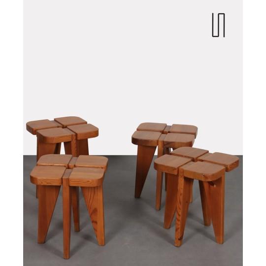 Suite de 4 tabourets en bois, fabrication tchèque des années 1960