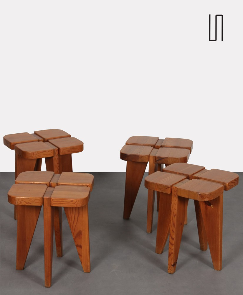 Suite of 4 stools in wood, Czech design of the 1960s