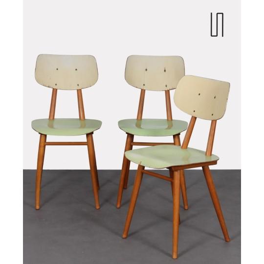 Suite de 3 chaises produites par Ton dans les années 1960
