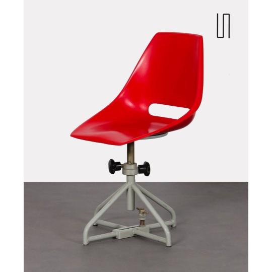 Chaise en fibre de verre par Miroslav Navratil pour Vertex, 1960