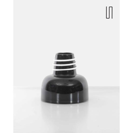 Vase noir par Jerzy Słuczan-Orkusz pour Tarnowiec, Design d'Europe de l'Est